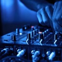 dj-mixing-steve-silk-hurley